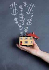 Investor making money in real estate